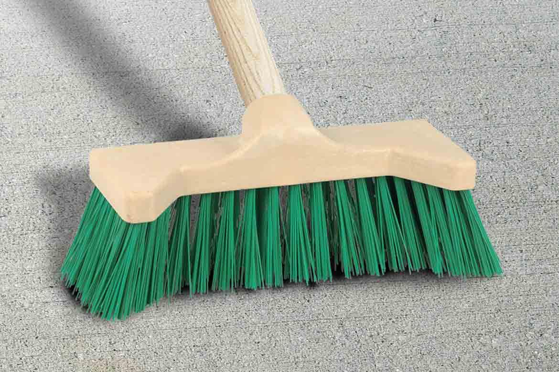balai de cantonnier pour nettoyer des sols rugueux et. Black Bedroom Furniture Sets. Home Design Ideas